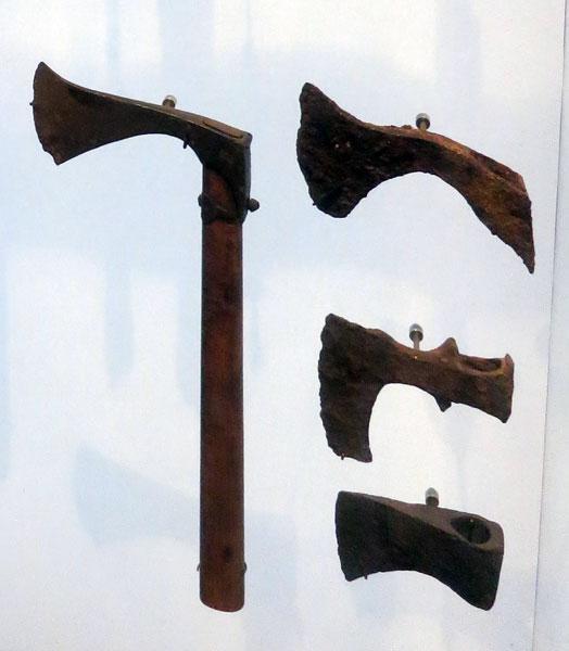 топор /музей Армии, г. Париж/